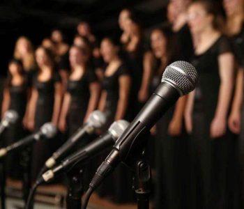 Zingen in popkoor bij de Veense Popschool Roelofarendsveen